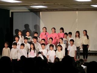劇の最後に全員舞台に集合しました。